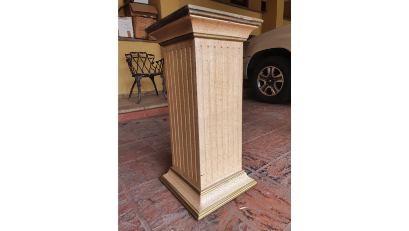 pilar-de-madera-tallada-big-0
