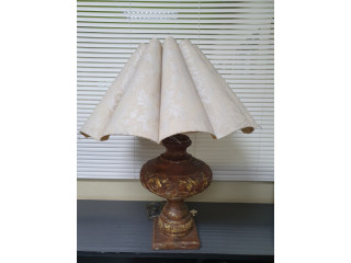 Lámpara de Mesa base de madera