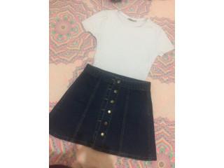 Hermosa falda de botones