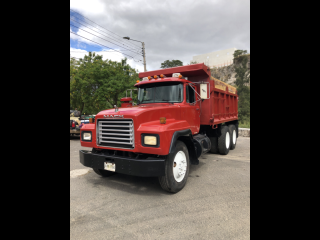 2000 VOLQUETA MACK RD 13 Mc