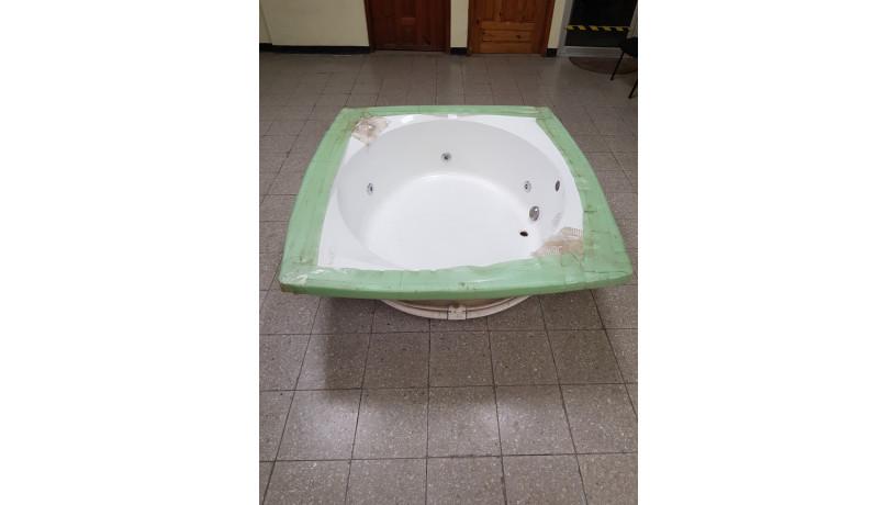 jacuzzi-grande-american-whirlpool-big-3