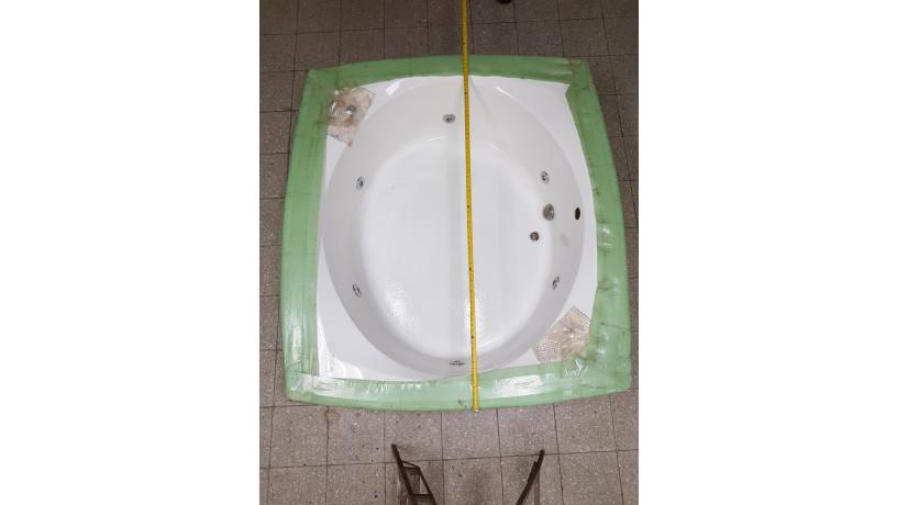 jacuzzi-grande-american-whirlpool-big-4
