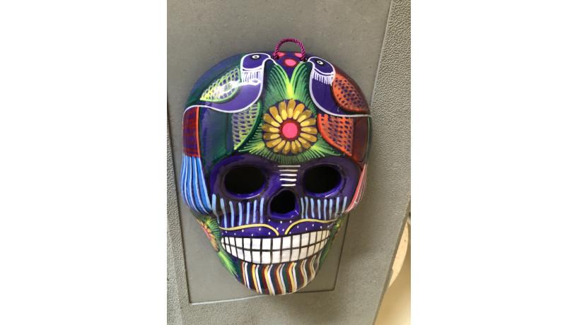 calavera-mexicana-pintada-a-mano-para-pared-big-0