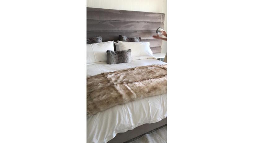 faux-fur-blanket-big-1