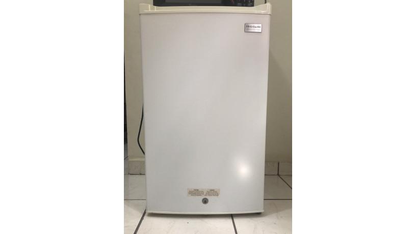 mini-refrigerador-frigidaire-big-0