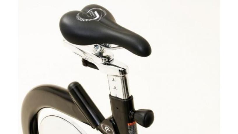 bicicleta-estatica-real-ryder-abf8-cybex-gym-big-2