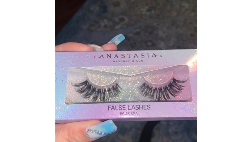 anastasia-beverly-hills-false-lashes-big-1