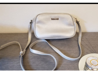 Cartera kenneth cole