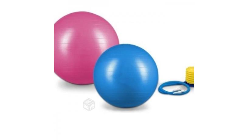 bola-plastica-para-ejercicios-big-0
