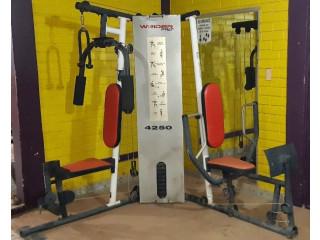 Máquina de ejercicios multifuncional weider pro