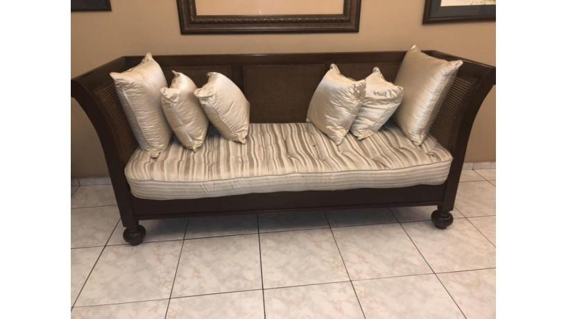 loveseat-sofa-big-0
