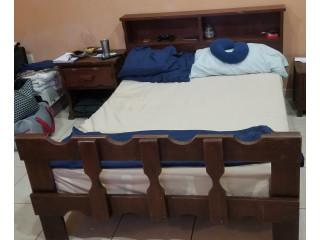 Marco y cabecera de madera (para cama matrimonial)