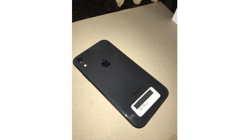 iphone-xr-64-g-big-0