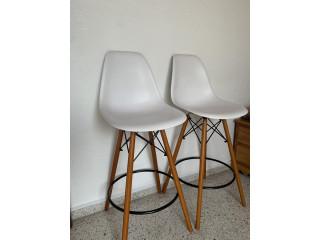 Juego de sillas tipo bar
