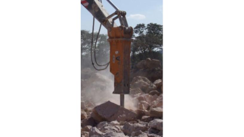 martillo-hidraulico-para-demolicion-para-excavadora-usado-big-1