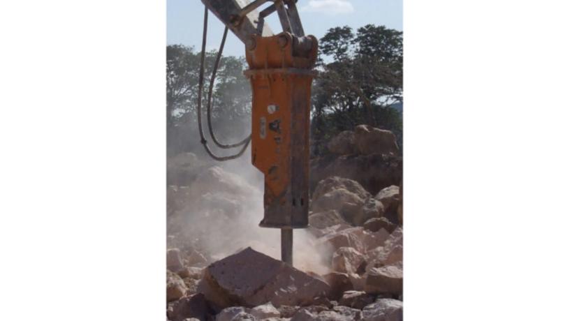 martillo-hidraulico-para-demolicion-para-excavadora-usado-big-2