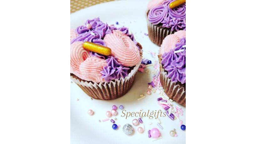 valentine-cakes-at-specialgifts-craftandbakery-big-2