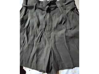 Short ZARA BASIC talla XS