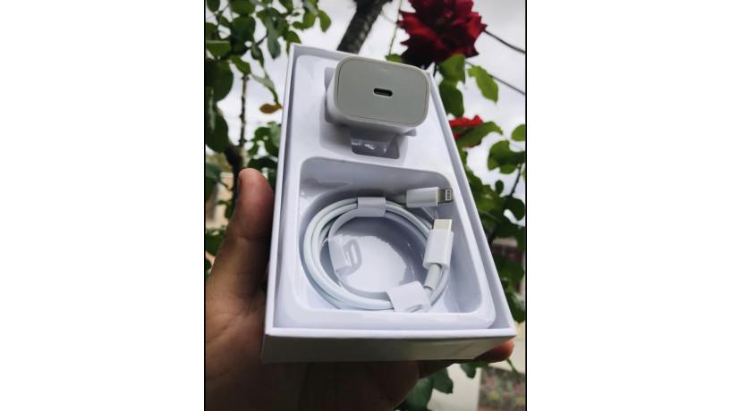 cargador-carga-rapida-de-18w-apple-big-0