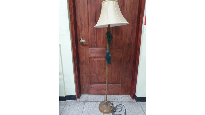 lampara-de-pie-color-bronce-big-0