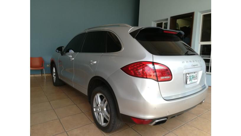 2011-porsche-cayenne-diesel-big-5