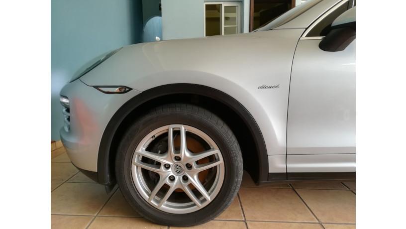 2011-porsche-cayenne-diesel-big-3