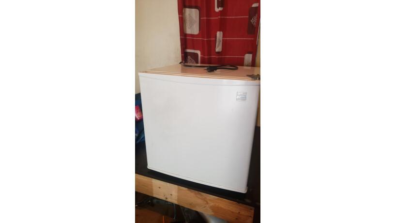 refrigeradora-pequena-todo-al-100-big-3