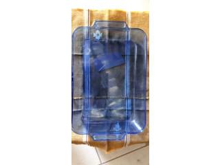 Pyrex azul y transparente