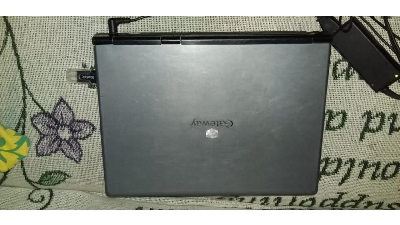 vendo-computadora-en-buen-estado-tiene-detalle-pregunte-al-numero-87324047-big-1