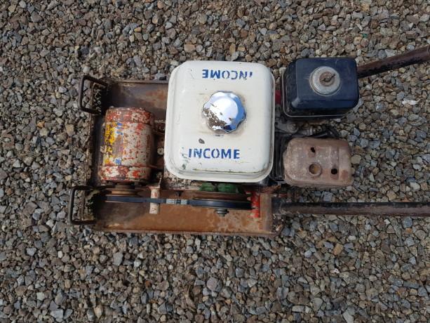 compactadora-de-plato-viratorio-con-motor-a-gasolina-big-4