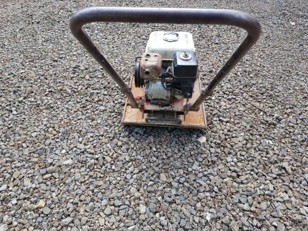 compactadora-de-plato-viratorio-con-motor-a-gasolina-big-3