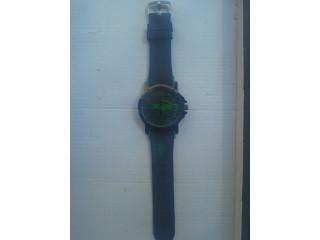 Reloj Estilo Lacoste
