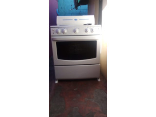Refrigeradora y estufa