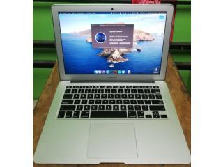 Macbook  Core i5  (13-inch,2014)