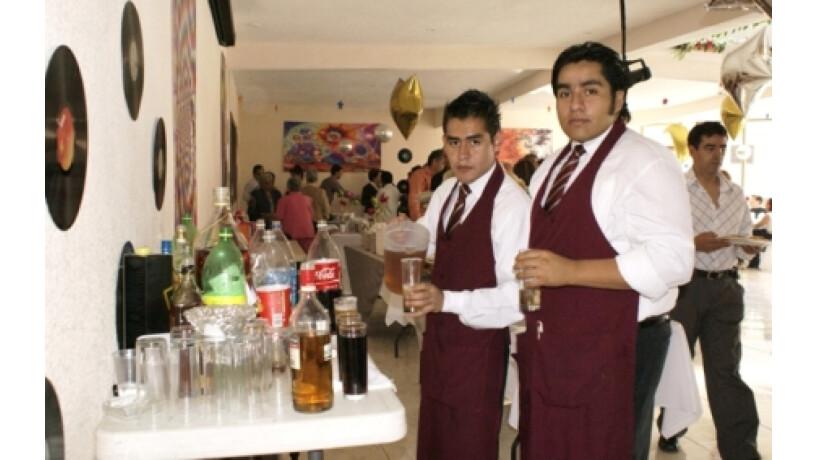 servicio-de-meseros-para-sus-fiestas-big-2